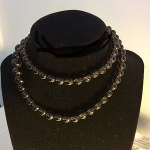 Jewelry - Brown glass necklace with a classy look.